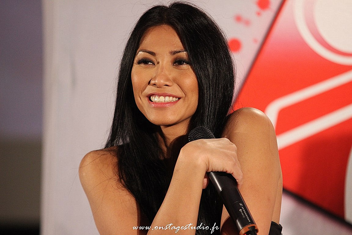 10 - Showcase Anggun